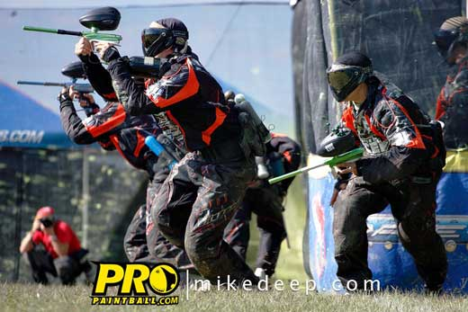 Robbie Goldsmith from CEP pro paintball team on the break out