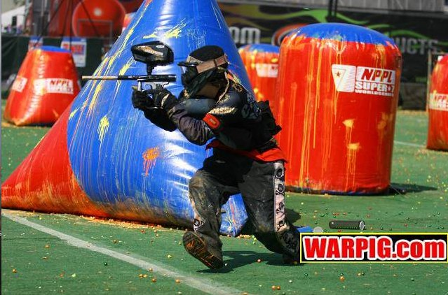 Cassidy Sanders playing paintball with HKArmy - Photo: Warpig.com